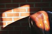 빔, 빛 (자연현상), 백그라운드, 햇빛, 사람없음, 인테리어, 벽 (건물특징), 그림자, 소파, 가죽 (재료)
