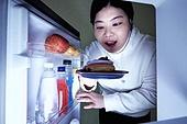 군것질, 지방, 야식, 먹기, 먹기 (입사용), 과식 (먹기), 폭식증 (섭식장애), 배고픔 (물체묘사), 냉장고, 도넛, 도넛 (달콤한음식)