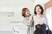거실, 엄마, 딸, 출퇴근 (여행하기), 재취업, 행복, 성원 (컨셉)