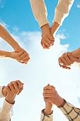 종교, 기독교, 기도 (커뮤니케이션컨셉), 찬양, 감사, 감사기도, 성경말씀 (기독교용어), 선교사 (역할), 회개, 성경 (성서), 여러명[3-5] (사람들), 사람손 (주요신체부분), 행동 (모션), 천주교, 하늘, 구름