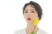 의료성형뷰티, 한국인, 얼굴 (사람머리), 클로즈업, 뷰티, 아름다움, 미녀, 사람피부, 헤어스타일, 프레시, 순수, 색조화장, 포즈 (몸의 자세), 튤립
