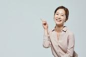 여성, 비즈니스우먼, 미소, 손가락, 포인팅 (손짓)