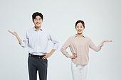 여성, 미소, 커플, 가정경제 (금융), 행복, 부부, 안내 (컨셉)