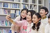 어린이 (나이), 교실, 학교생활, 교육 (주제), 미소, 밝은표정, 스승의날, 교사 (교육직)