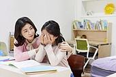 어린이 (나이), 초등학생, 교사 (교육직), 방문학습, 홈스쿨링, 공부 (움직이는활동), 스트레스, 역경 (컨셉), 위로 (돌보기)