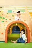 키즈카페, 어린이 (나이), 유아교육 (교육), 유아교육, 유치원, 소녀, 행복, 기쁨 (컨셉)