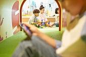 키즈카페, 어린이 (나이), 유아교육 (교육), 유아교육, 유치원, 순수, 스마트폰, 무관심, 소외