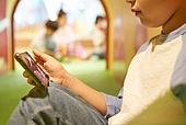 키즈카페, 어린이 (나이), 유아교육 (교육), 유아교육, 유치원, 순수, 스마트폰, 중독, 노모포비아 (신조어)