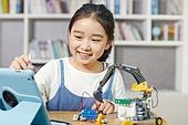 어린이 (나이), 교실, 초등학생, 코딩교육, 학교생활, 미소, 소녀