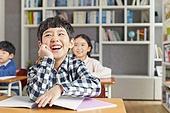 교실, 학교생활, 어린이 (나이), 초등교육, 소년, 수업중, 미소, 밝은표정