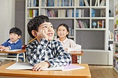 교실, 학교생활, 어린이 (나이), 초등교육, 소년, 수업중, 생각 (컨셉)