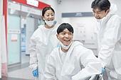 코로나바이러스 (바이러스), 코로나19 (코로나바이러스), 병원 (의료시설), 의료직, 의사, 간호사, 의사 (의료직), 위기극복 (컨셉), 희망 (컨셉), 성원 (컨셉)