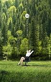 그래픽이미지, 5월, 가정의달, 근로자의날, 황금연휴 (휴무), 휴가 (주제), 자연 (주제), 풍경 (컨셉), 비즈니스, 비즈니스우먼
