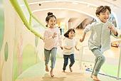 키즈카페, 어린이 (나이), 미취학어린이 (어린이), 유아교육 (교육), 유아교육, 유치원, 유치원 (학교건물), 유치원생