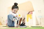 키즈카페, 어린이 (나이), 소녀 (여성), 신발, 유치원생, 신발 (액세서리)