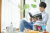 한국인, 사회적거리두기 (사회이슈), 집콕 (컨셉), 휴식 (정지활동), 사회적거리두기, 인플루언서, 휴양, 인플루언서 (컨셉), 홈캉스