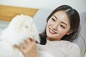한국인, 라이프스타일, 휴식 (정지활동), 휴식, 행복, 고양이 (고양잇과), 반려동물 (길든동물)
