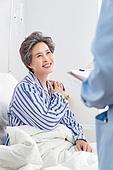 병원,입원,환자,치료,병문안,가족,할머니