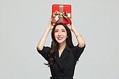 여성, 쇼핑 (상업활동), 선물 (인조물건), 선물상자 (상자), 미소