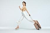 여성, 여행, 여행자 (역할), 점프, 활력 (컨셉), 달리기 (물리적활동)