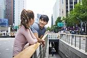 레저활동, 걷기, 달리기 (물리적활동), 대화, 커뮤니케이션 (주제)