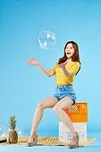 여성, 여름, 상업이벤트 (사건), 비치볼, 던지기 (물리적활동)