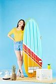 여성, 여름, 상업이벤트 (사건), 여행, 서핑보드 (수중스포츠장비), 물놀이튜브 (부풀림)