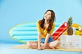 여성, 여름, 상업이벤트 (사건), 여행, 미소, 생각 (컨셉)