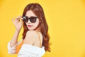 여성, 여름, 상업이벤트 (사건), 엷은색선글라스 (선글라스)