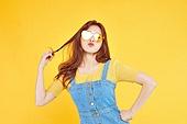 여성, 여름, 상업이벤트 (사건), 엷은색선글라스 (선글라스), 레트로스타일 (컨셉)