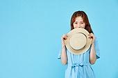 여성, 밝은청색 (파랑), 여행, 여름, 혼자여행 (여행), 수줍음