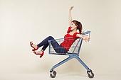 여성, 쇼핑 (상업활동), 상업이벤트 (사건), 쇼핑카트, 미소, 고함 (말하기)
