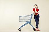 여성, 쇼핑 (상업활동), 상업이벤트 (사건), 쇼핑카트, 턱괴기 (만지기)