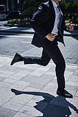 비즈니스, 비즈니스 (주제), 비즈니스맨 (사업가), 화이트칼라 (전문직), 출퇴근 (여행하기), 전진, 시작 (컨셉), 열정 (컨셉), 지각 (움직이는활동), 바쁨 (일)