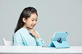 어린이 (나이), 수화 (커뮤니케이션컨셉), 커뮤니케이션, 화상통화, 디지털태블릿 (개인용컴퓨터)