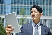 비즈니스, 비즈니스 (주제), 비즈니스맨 (사업가), 화상통화 (인터넷전화), 디지털태블릿 (개인용컴퓨터), 디지털 (기술), 인터넷 (기술), 비대면 (사회이슈), 고역 (컨셉), 스트레스 (컨셉)