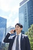 비즈니스, 비즈니스 (주제), 비즈니스맨 (사업가), 통화중 (움직이는활동), 스마트폰, 통화중, 휴대폰 (전화기), 커뮤니케이션, 비대면 (사회이슈), 비대면계약 (비대면), 온택트 (사회이슈)