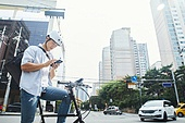 남성, 자전거, 배달 (일), 계약직, 서비스업 (직업), 배달부 (직업), 스마트폰