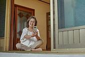 70대, 노인 (성인), 스마트폰, 디지털소외, 화상통화 (인터넷전화), 미소
