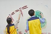 청년 (성인), 벽화, 재능기부 (기부), 페인팅작품 (미술품), 미소
