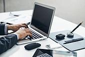 비즈니스, 비즈니스 (주제), 비즈니스맨 (사업가), 사업가 (화이트칼라), 화이트칼라 (전문직), 직업 (역할), 금융, 인터넷, 비즈니스맨, 노트북컴퓨터 (개인용컴퓨터), 컴퓨터, 컴퓨터키보드