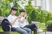 고등학생, 중학생, 친구 (컨셉), 스마트폰, 모바일게임, 인터넷, 휴식