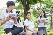 십대 (나이), 고등학생, 교복, 교육 (주제), 중학생, 학생, 친구, 중고등학교 (학교건물), 대화, 커뮤니케이션, 행복, 교과서, 공부