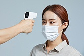 마스크 (방호용품), 코로나바이러스 (바이러스), 코로나19 (코로나바이러스), 사회적거리두기 (사회이슈), 감기예방마스크 (마스크), 감기, 온도계 (측정도구), 열 (질병)