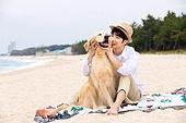 남성 (성별), 해변, 여행, 휴가, 반려동물 (길든동물), 휴가 (주제), 포옹, 행복