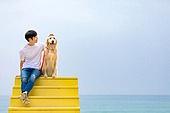 남성, 해변, 반려동물 (길든동물), 휴식, 함께함 (컨셉)