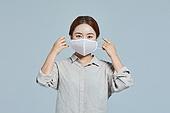 마스크 (방호용품), 사회적거리두기 (사회이슈), 코로나바이러스 (바이러스), 코로나19 (코로나바이러스)