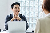 비즈니스 (주제), 비즈니스맨 (사업가), 화이트칼라 (전문직), 아이디어, 다이렉팅 (제스처), 자신감, 전략, 전진