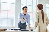비즈니스 (주제), 비즈니스맨 (사업가), 화이트칼라 (전문직), 미팅, 자신감, 전략, 대화