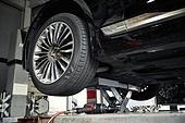 자동차, 자동차정비소 (정비소), 고장, 정비소 (업무현장), 타이어, 바퀴 (차량부품)